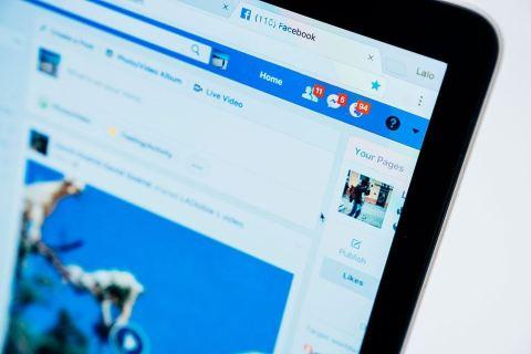 Como enviar uma mensagem no Facebook para vários amigos
