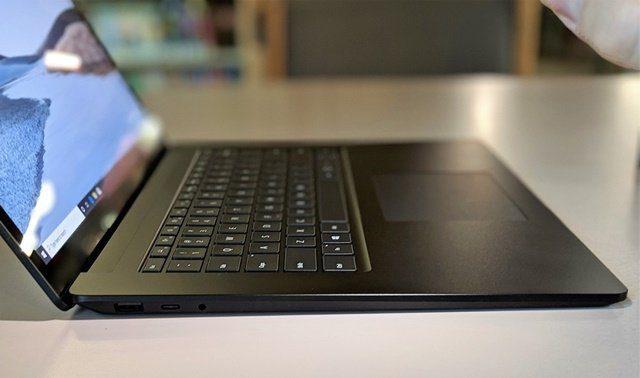 Livro de superfície 3 Microsoft chega com segunda tela