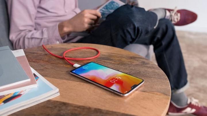 OnePlus 8 terá um dos melhores ecrãs de 2020 smartphones com 120 Hz, confirma o CEO Pete Lau