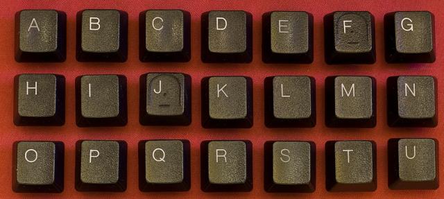 Mostramos as etapas a seguir para limpar o teclado do computador 3