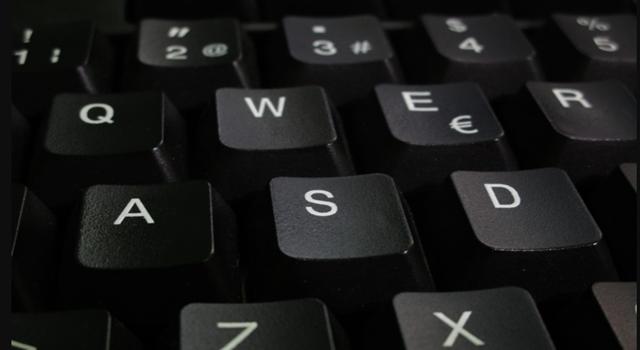 Mostramos as etapas a seguir para limpar o teclado do computador 2