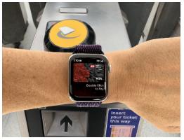 Como atravessar a barreira com Apple Pay Trânsito expresso 1