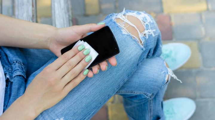 Coronavírus: Não se esqueça de limpar o seu smartphone 1
