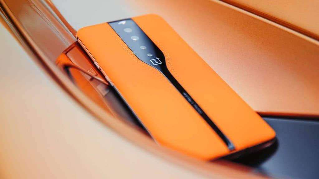 OnePlus Concept One: que tecnologia está por trás deste smartphone com câmaras invisíveis? McLaren
