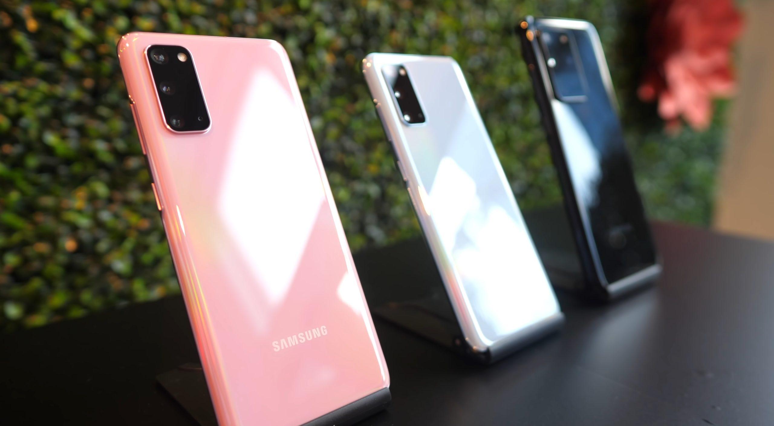 Em exibição, a câmera pode ignorar o Samsung Galaxy S21, para chegar no próximo Z Fold 3 1